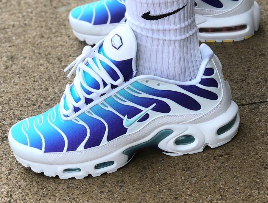 Review : Nike Air Max Plus Requin OG Fierce Purple Bleached Aqua