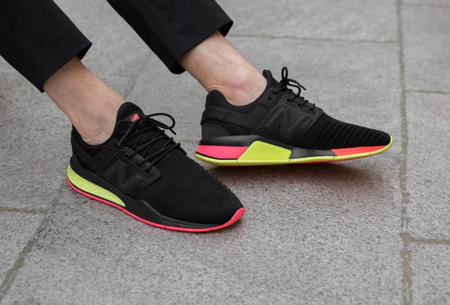 chaussure-new-balance-247-v2-black-solar-yellow-on-feet (2)
