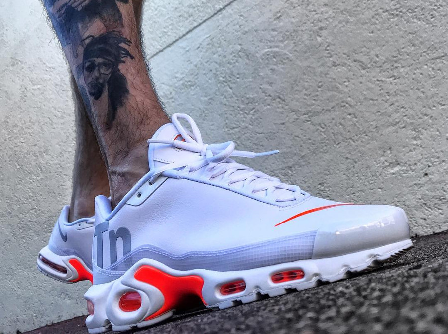 chaussure-nike-air-max-plus-tn-white-orange-neymar-on-feet (3)