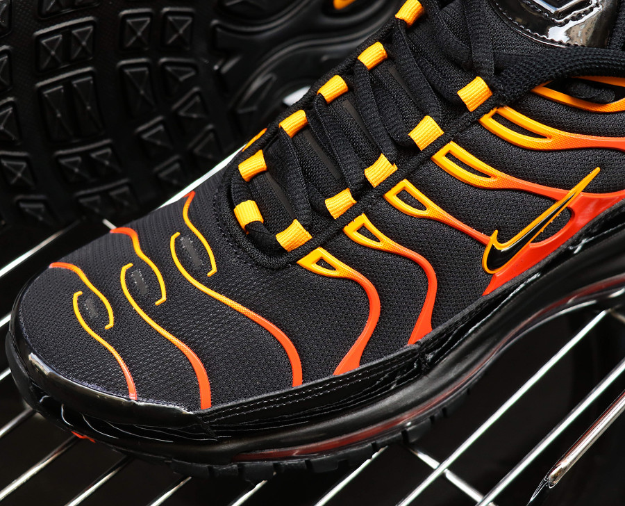 chaussure-nike-air-max-plus-x-air-max-97-noir-flammes-orange-AH8144-002 (1)