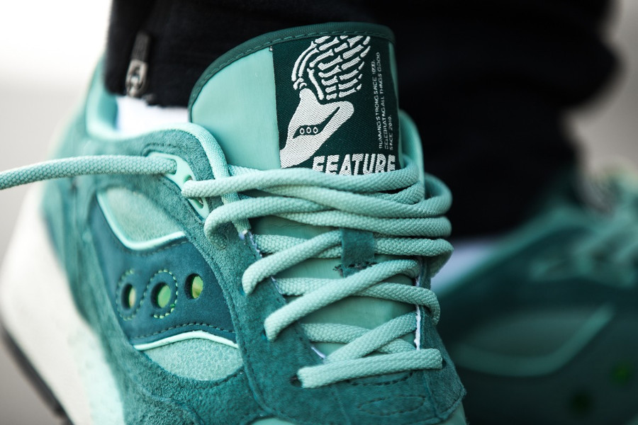 feature-saucony-shadow-6000-green-on-feet-S70429-1 (2)