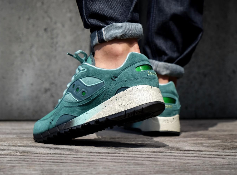feature-saucony-shadow-6000-green-on-feet-S70429-1 (6)