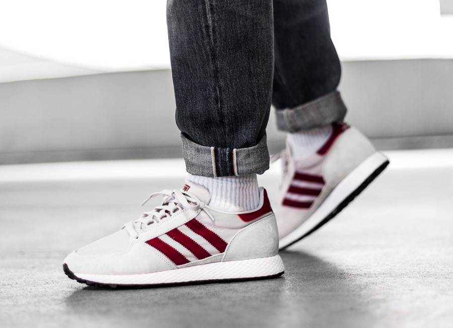 guide-des-achats-adidas-forest-grove-og-chalk-on-feet (1)