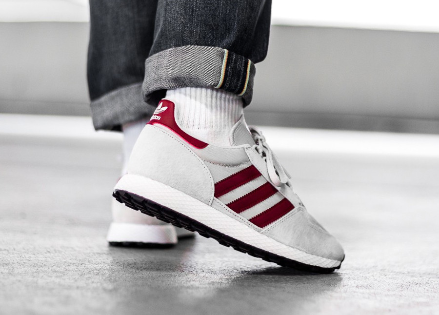 guide-des-achats-adidas-forest-grove-og-chalk-on-feet (2)