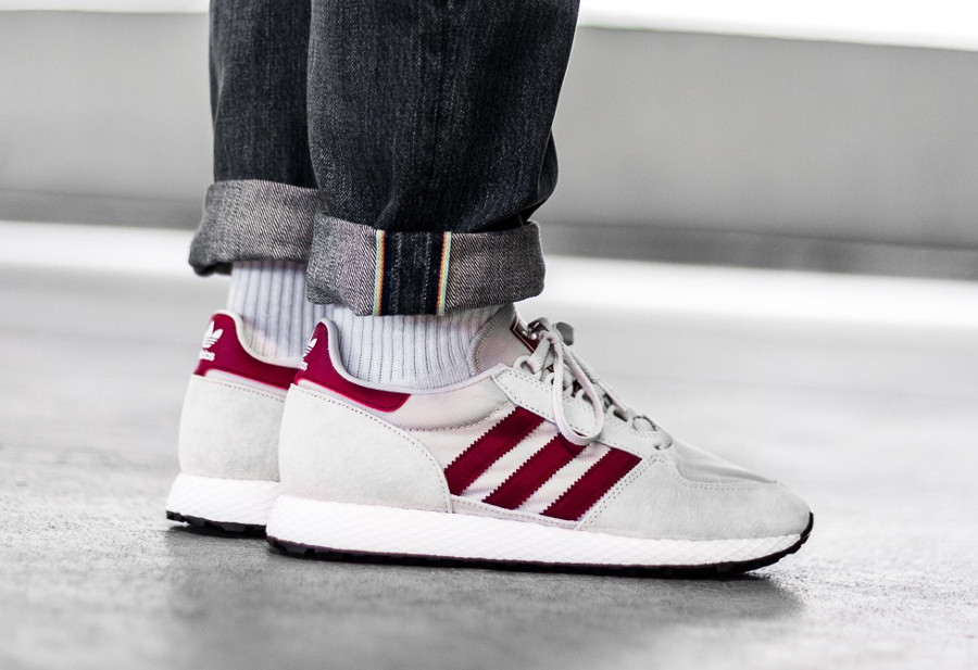 guide-des-achats-adidas-forest-grove-og-chalk-on-feet (3)