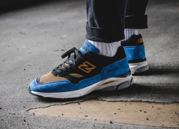 https://www.sneakers-actus.fr/wp-content/uploads/2018/06/new-balance-m-15009-cv-black-blue-gold-made-in-england-on-feet-1-600x433.jpg