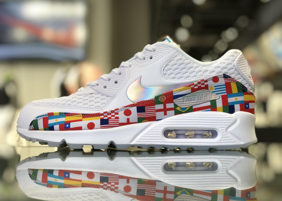 Nike Air Max 90 NIC QS 'International Flag' White Multicolor