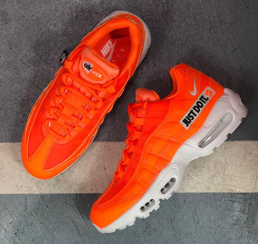 nike-air-max-95-prm-jdi-total-orange-AV6246-800 (1)