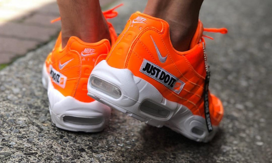 nike-air-max-95-prm-jdi-total-orange-AV6246-800 (2)