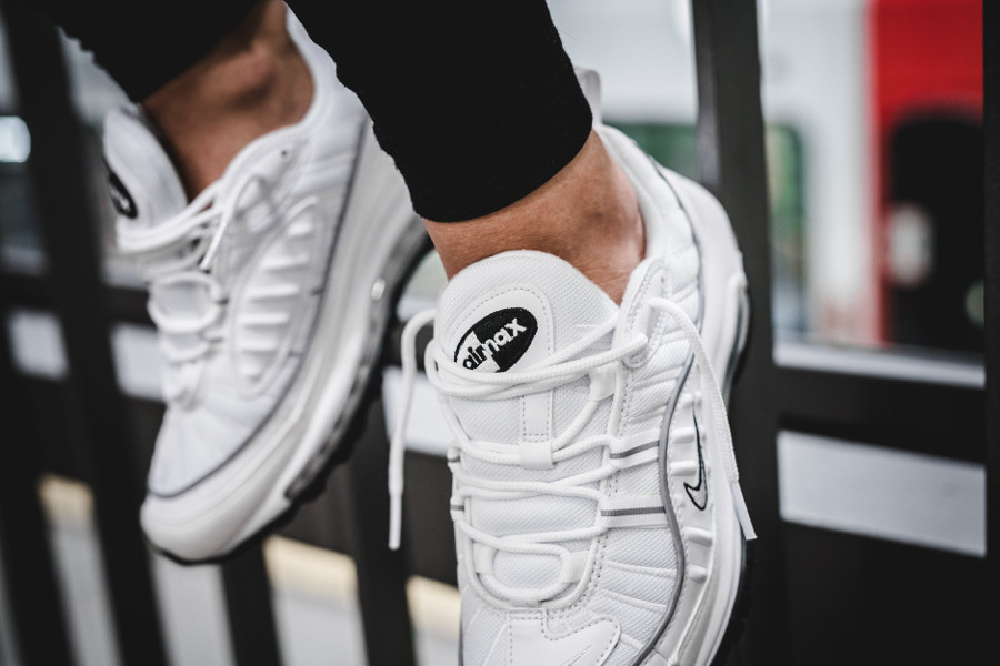 Nike Wmns Air Max 98 'Triple White'