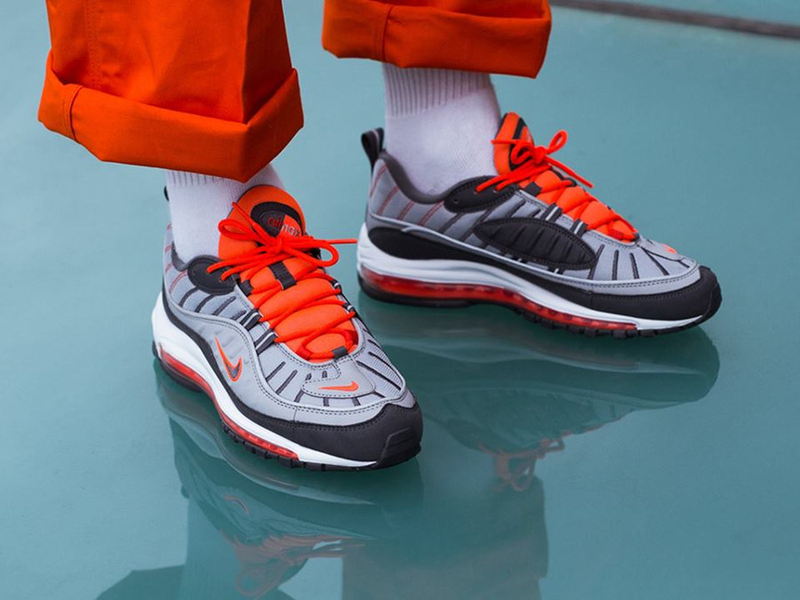 Nike Air Max 98 'Wolf Grey Total Crimson'