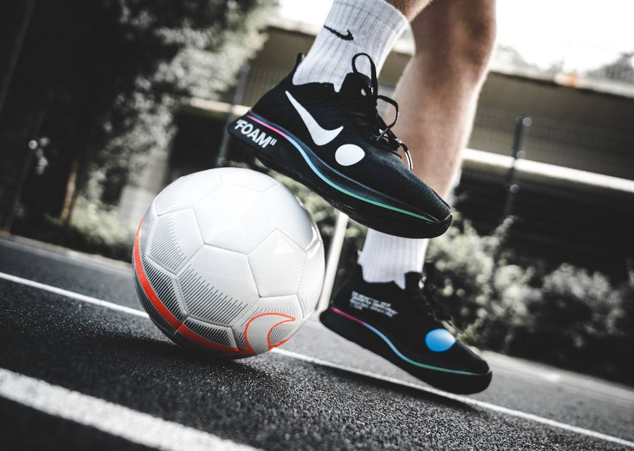 chaussure-off-white-nike-zoom-fly-mercurial-flyknit-noire-AO2115-001-1