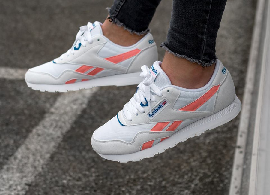 reebok classics blanche and pink