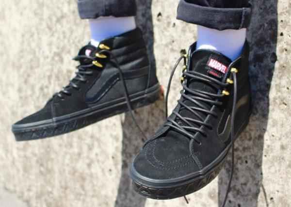 vans-sk8-hi-black-gold-panthère-noire-on-feet-couv