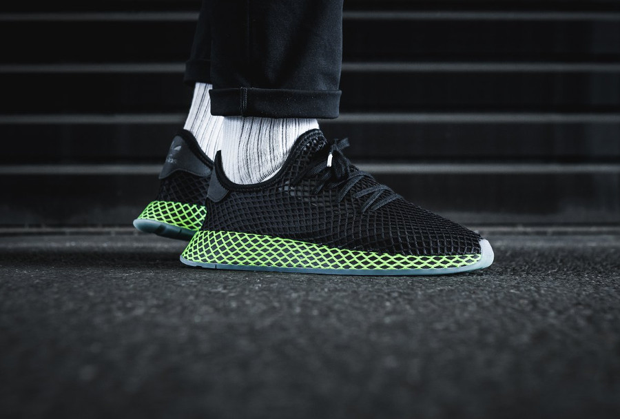 adidas-deerupt-runner-core-black-ash-blue-on-feet-B41755 (2)