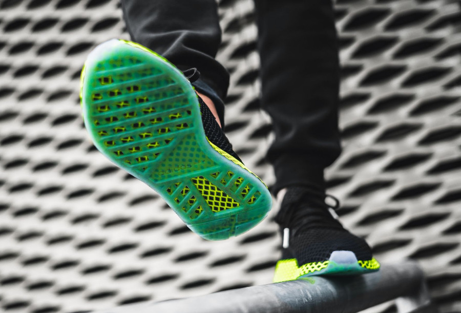Adidas Deerupt Runner 'Black Volt'