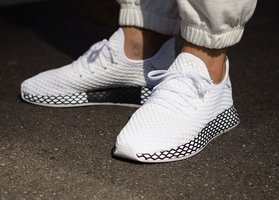 adidas-deerupt-runner-white-black-on-feet-B41767 (2)
