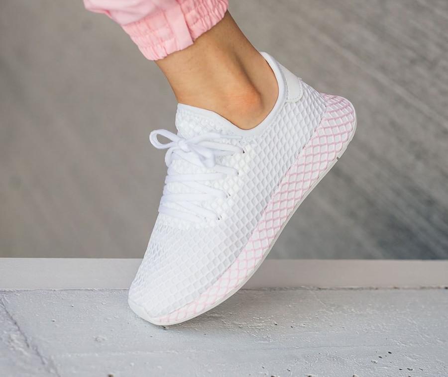 adidas-deerupt-runner-womens-blanche-et-rose-B37601 (2)
