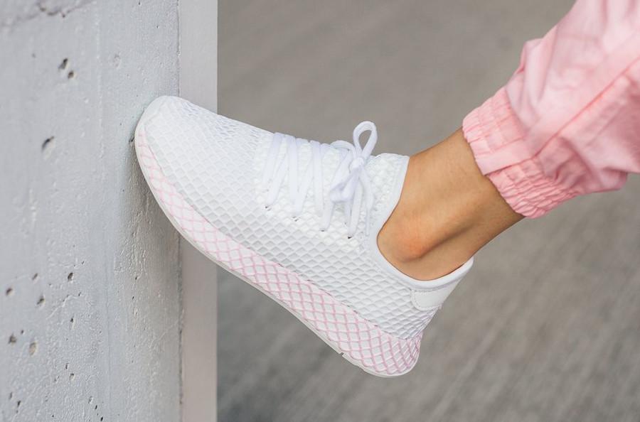 adidas-deerupt-runner-womens-blanche-et-rose-B37601 (3)