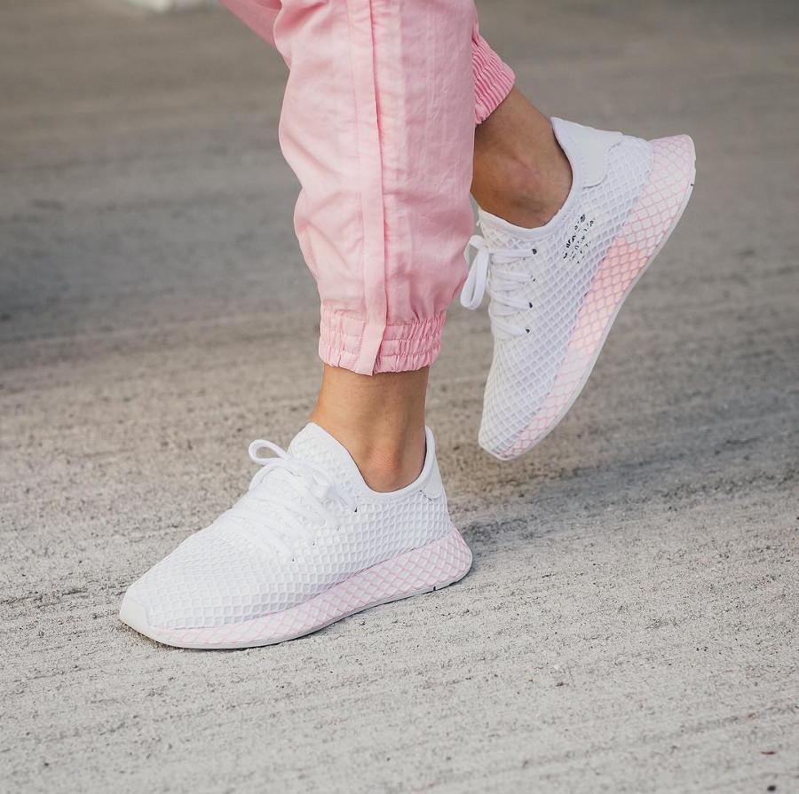 adidas-deerupt-runner-womens-blanche-et-rose-B37601 (4)