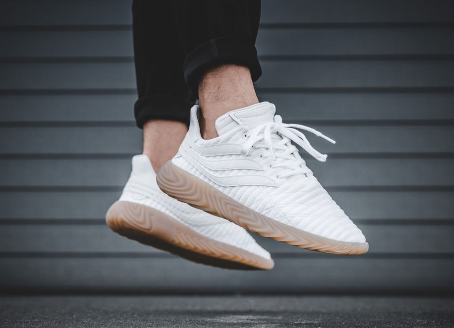 adidas-sobakov-homme-white-gum-on-feet (1)