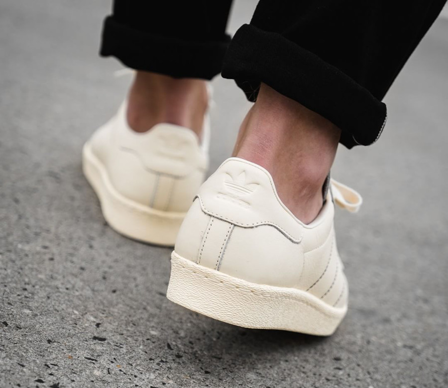 adidas-superstar-80s-2018-cream-white-on-feet-B38000 (1)