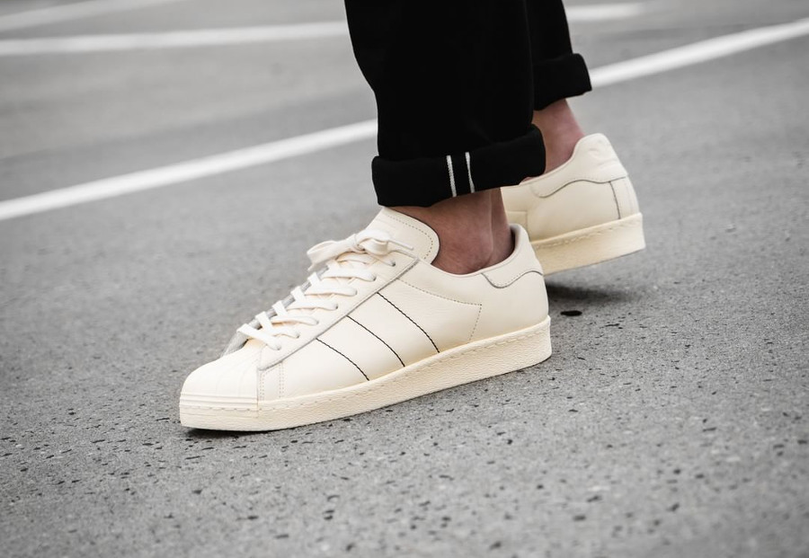adidas-superstar-80s-2018-cream-white-on-feet-B38000 (2)