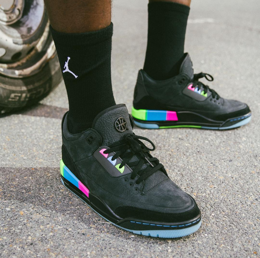 air-jordan-3-quai-54-black-electric-blue-infrared-23-AT9195-001 (2)