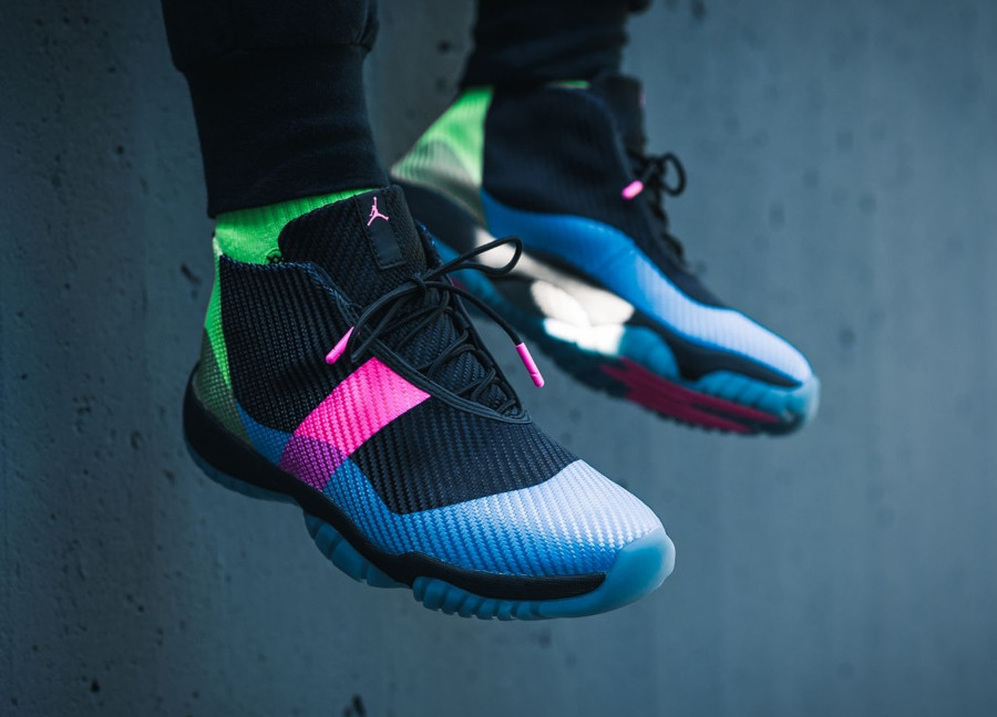 air-jordan-future-q54-2018-black-university-blue-pink-black-AT9191-001 (1)