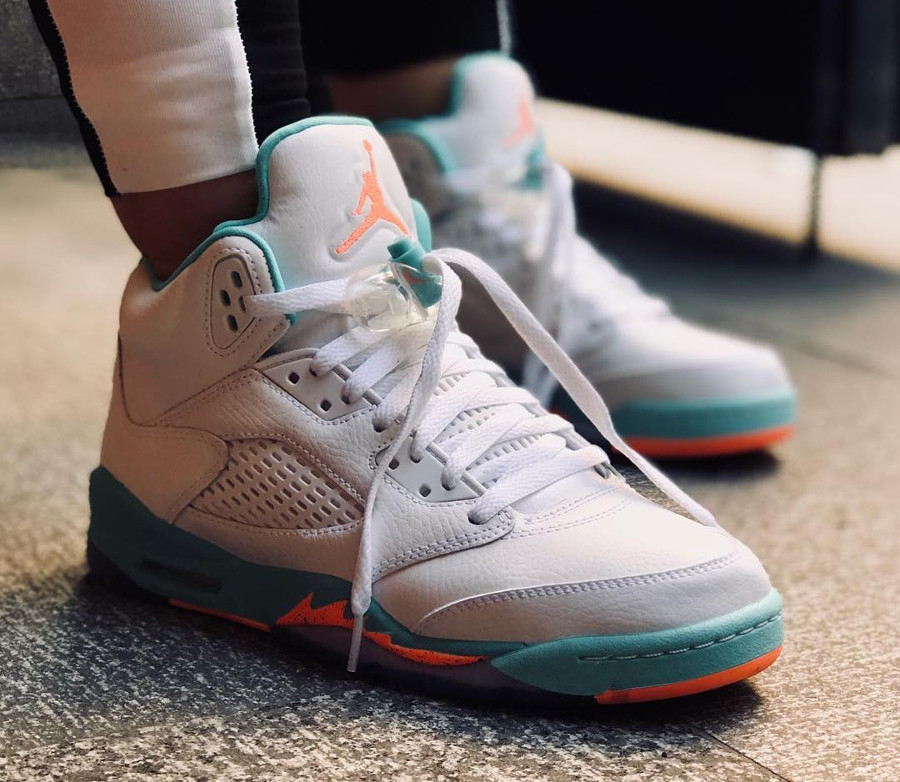 air-jordan-v-womens-miami-dophins-on-feet-440892-100 (1)