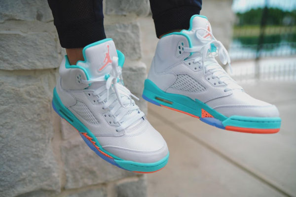 air-jordan-v-womens-miami-dophins-on-feet-440892-100 (3)