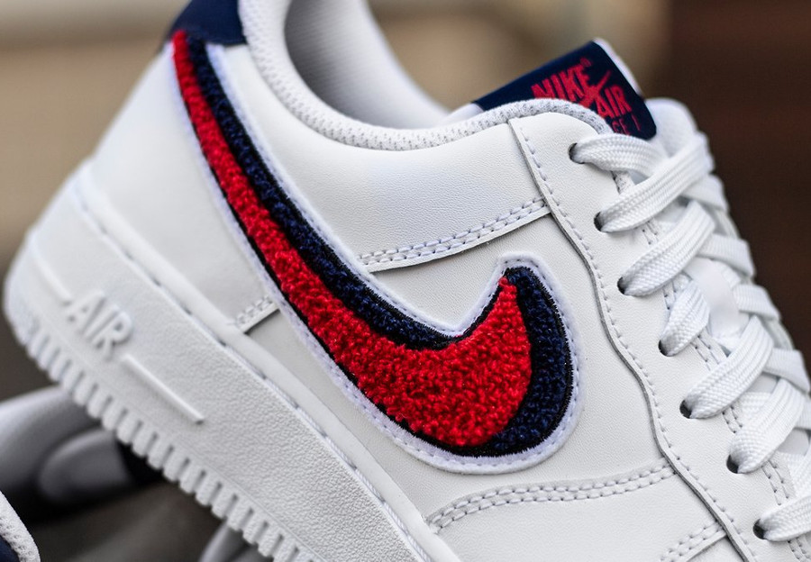nike-air-force-1-07-lv8-white-university-red-blue-void-823511-106 (2)