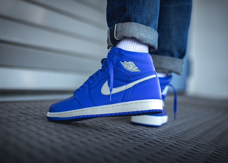 nike-air-jordan-1-montante-bleu-royal-555088-401 (1)