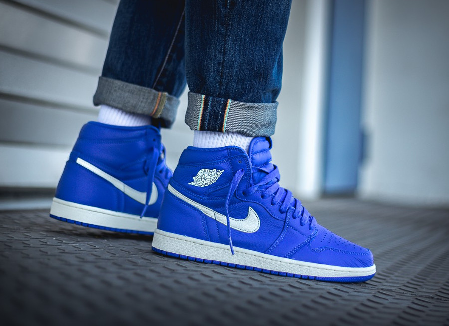 nike-air-jordan-1-montante-bleu-royal-555088-401 (2)