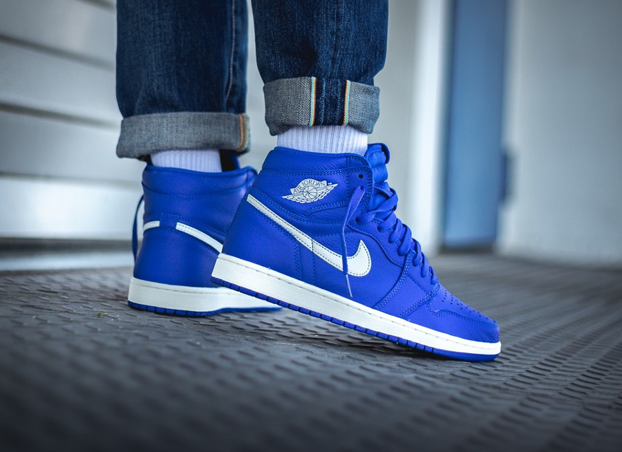 nike-air-jordan-1-montante-bleu-royal-555088-401 (3)