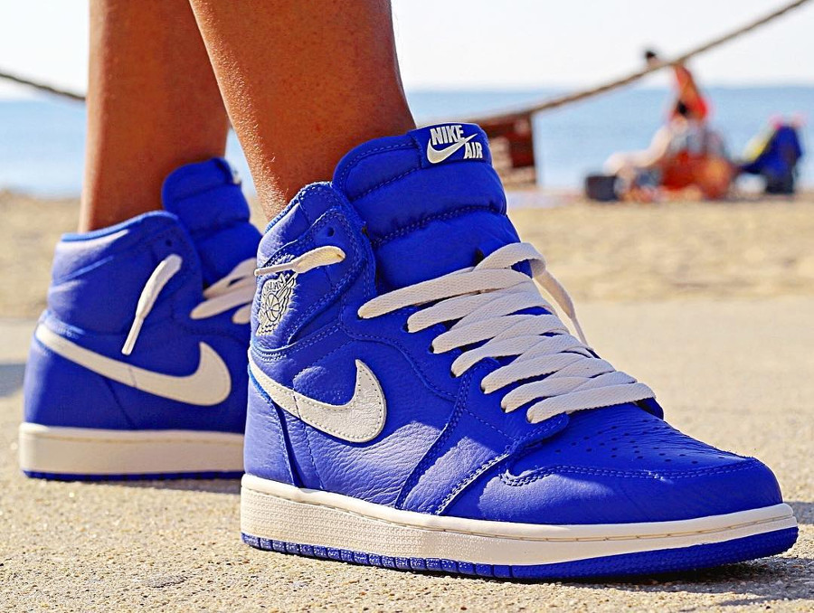 Air Jordan 1 High Retro OG 'Hyper Royal'
