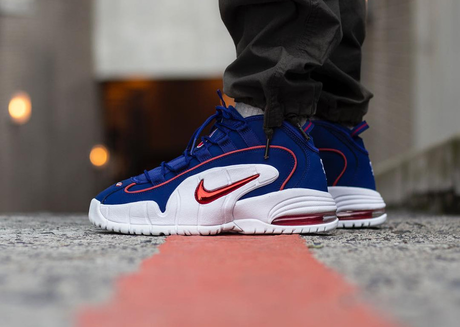 nike-air-max-1-penny-hardaway-blanche-bleue-rouge-685153-400 (1)
