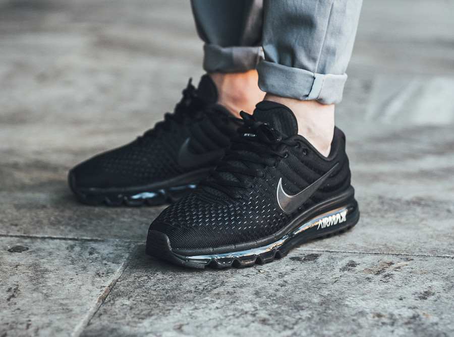 Nike Air Max 2017 'Triple Noir'