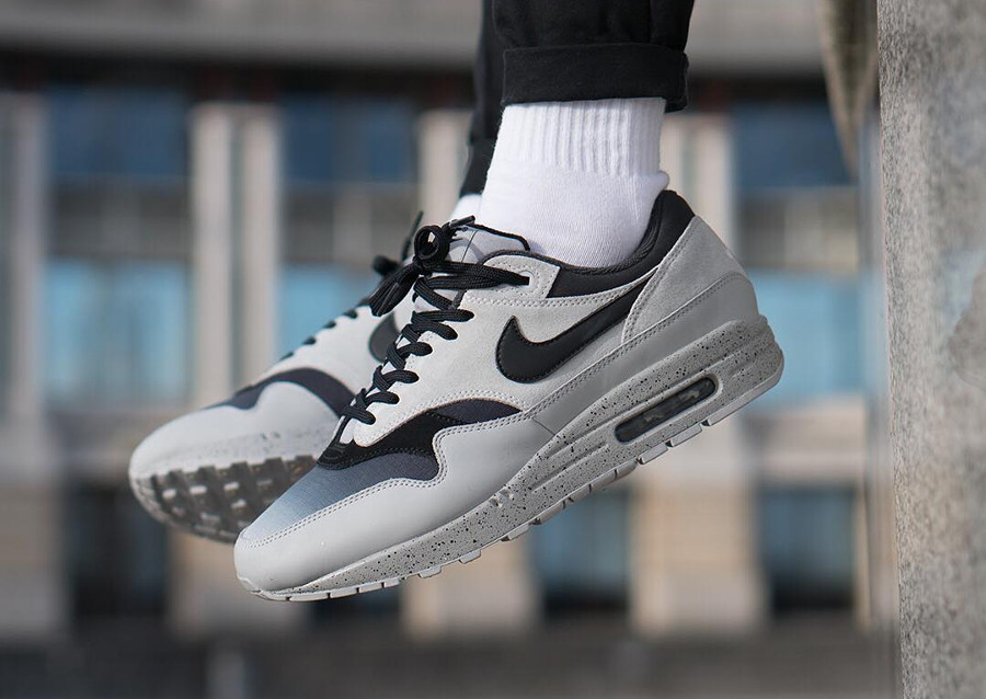 nike-air-max-87-premium-dégradé-gris-et-noir-on-feet-875844-003 (5)