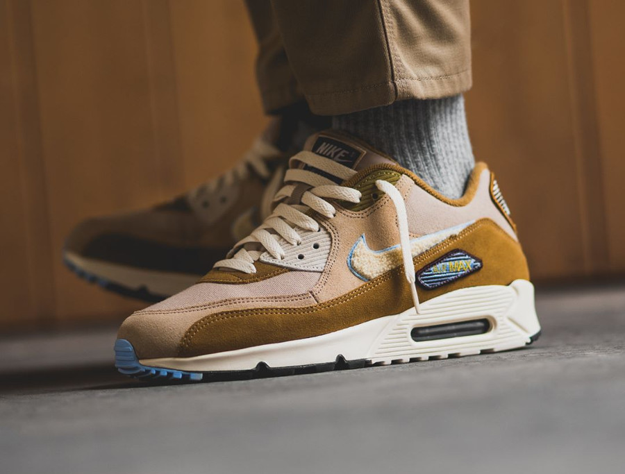 nike-air-max-90-premium-mutted-bronze-on-feet-858954 200 (1)