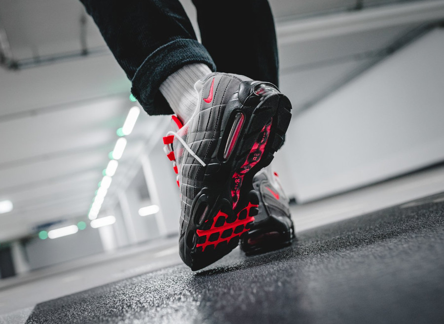 nike-air-max-95-og-solar-red-granite-on-feet (1)
