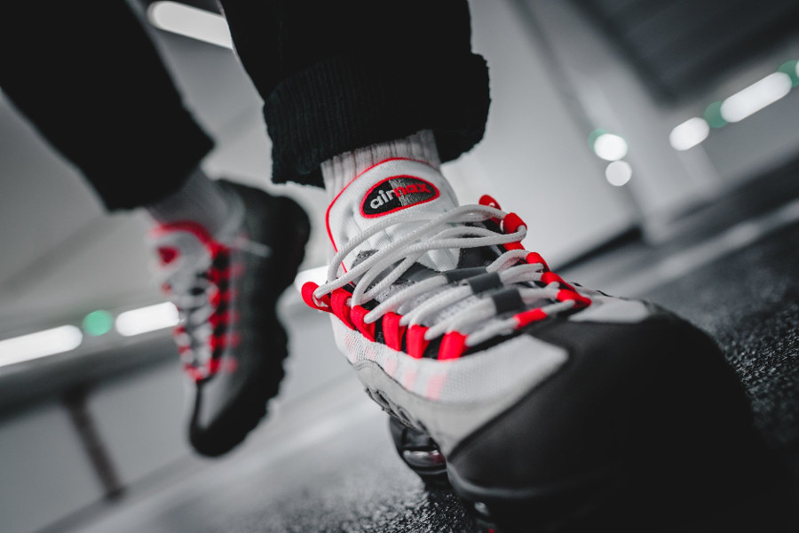 Nike Air Max 95 OG 'Solar Red' Retro 2018