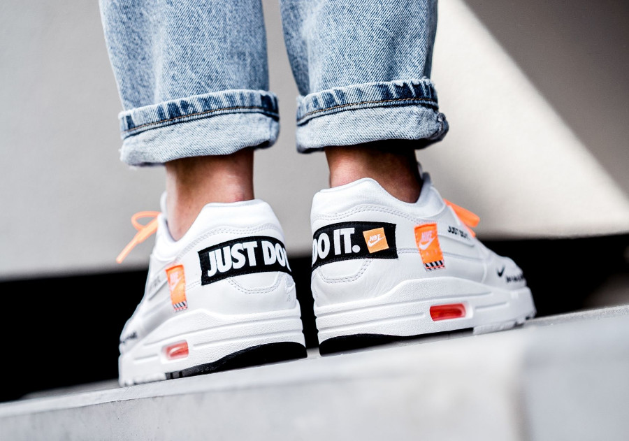 Nike Air Max 1 SE 'Just Do It' White Total Orange'