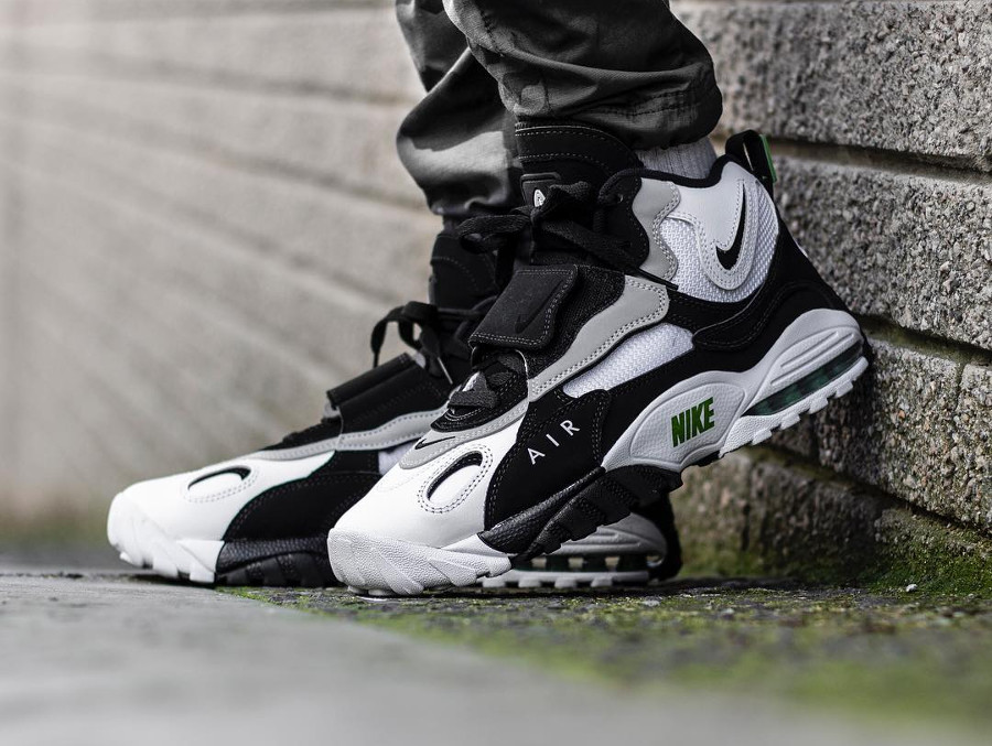 nike-air-max-speed-turf-chlorophyll-wolf-grey-525225-103 (3-1)