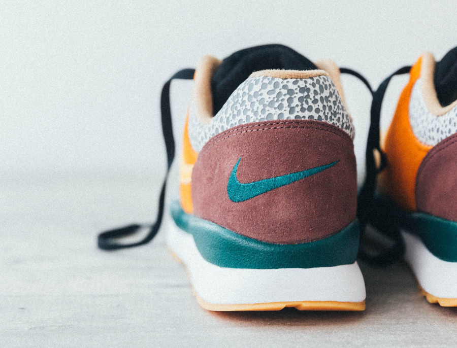 nike-air-safari-special-edition-atmos-AO3298-800 (3)