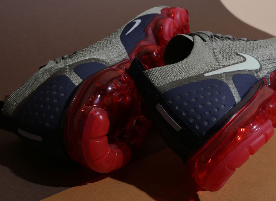 nike-air-vapormax-2-flyknit-taupe-bulle-d-air-rouge-942842-010 (2)