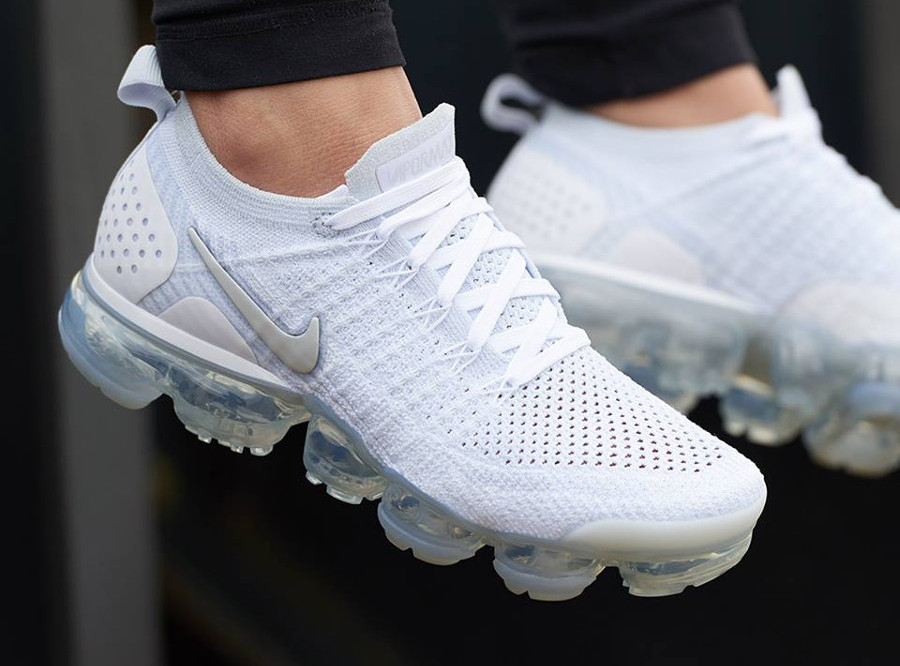 Nike Air Vapormax Flyknit 2 White 'Vast & Football Grey'