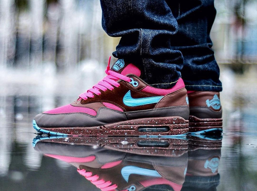 parra-nike-air-max-87-amsterdam-on-feet-313188-241 (3)