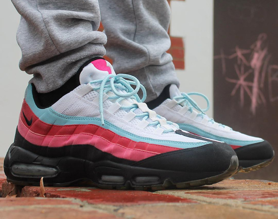 parra-nike-air-max-95-multicolor-on-feet-307272-101 (4)