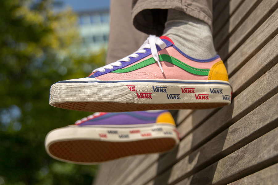 vans-style-36-allover-daim-et-cuir-multicolore-on-feet (2)